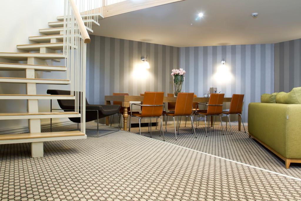 Bett Im Schlafzimmer Design Modern Italienisch Lecomfort , Jump Inn Suite Jump Inn Hotel Belgrade